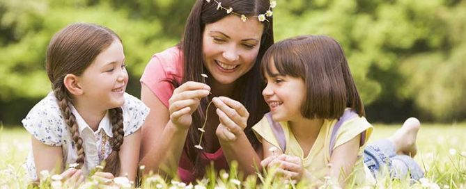 Kids Corner: How to make a daisy chain